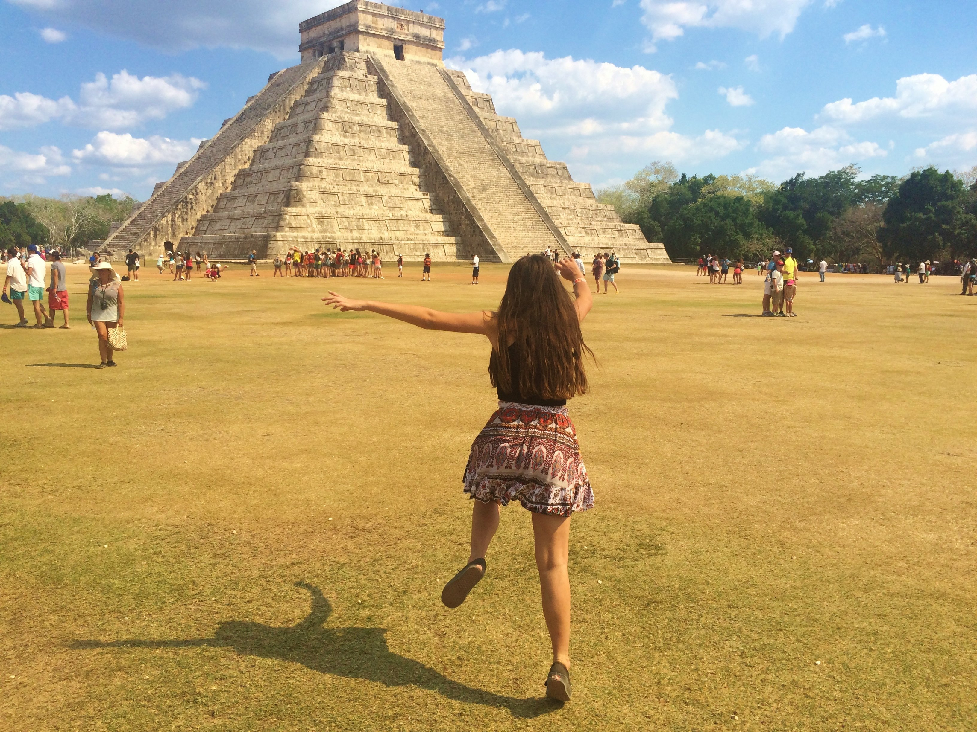 Frolcking around Chichen Itza, Mexico or as i prefer to call it, 'Chicken Pizza'