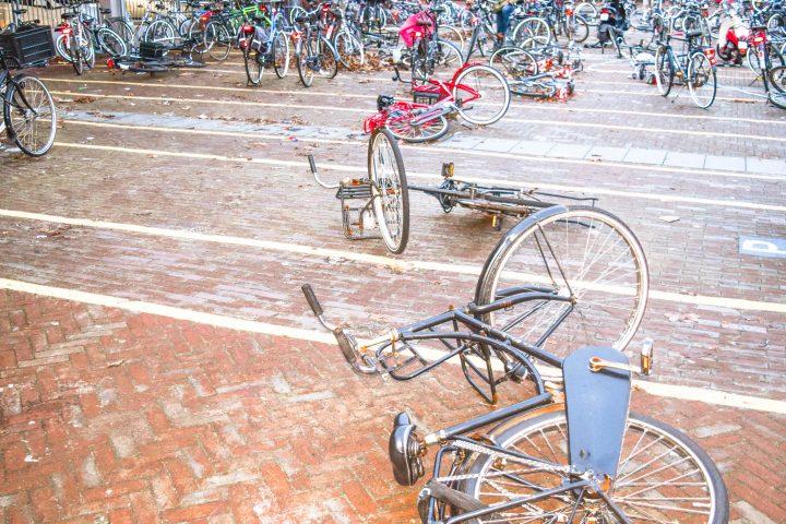 bike fail amsterdam rain