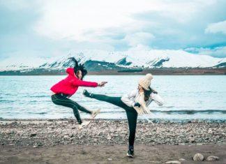 best friend kick creative lake tekapo roadtrip shot