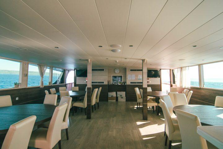 Yachtlife Croatia luxury Yacht dining room