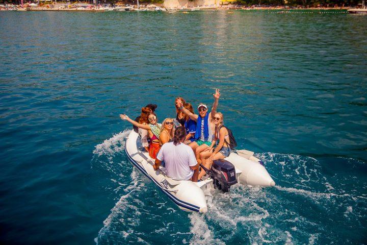 Yachtlife boat to shore in Makarska